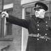toronto-police-man-with-gun